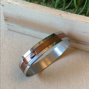 VTG. Stainless and Copper Bracelet -Snap Closure